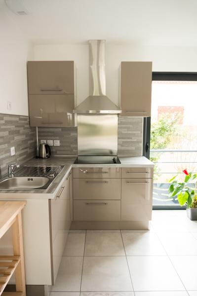 evier de coin evier de coin bon coin vitrine le bon coin meubles avec meuble de cuisine evier. Black Bedroom Furniture Sets. Home Design Ideas